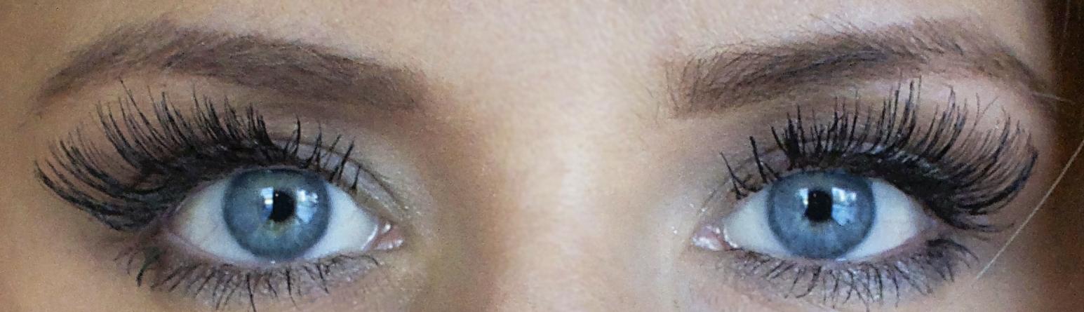 Eye makeup tutorial #facetheholiday #shop @neutrogena from Walmart