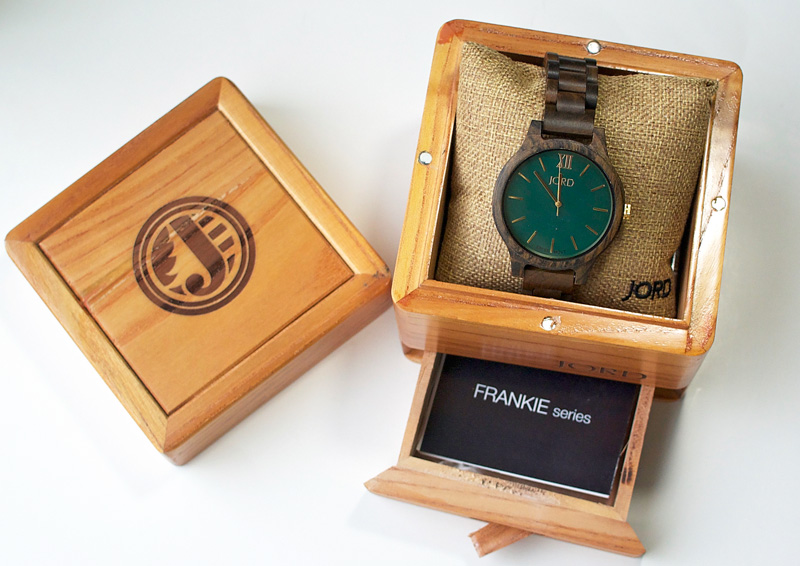Gift ideas for her. Gorgeous wood watch from JORD! #jordwatch #woodwatch #giftforhim #giftforher #holiday2016