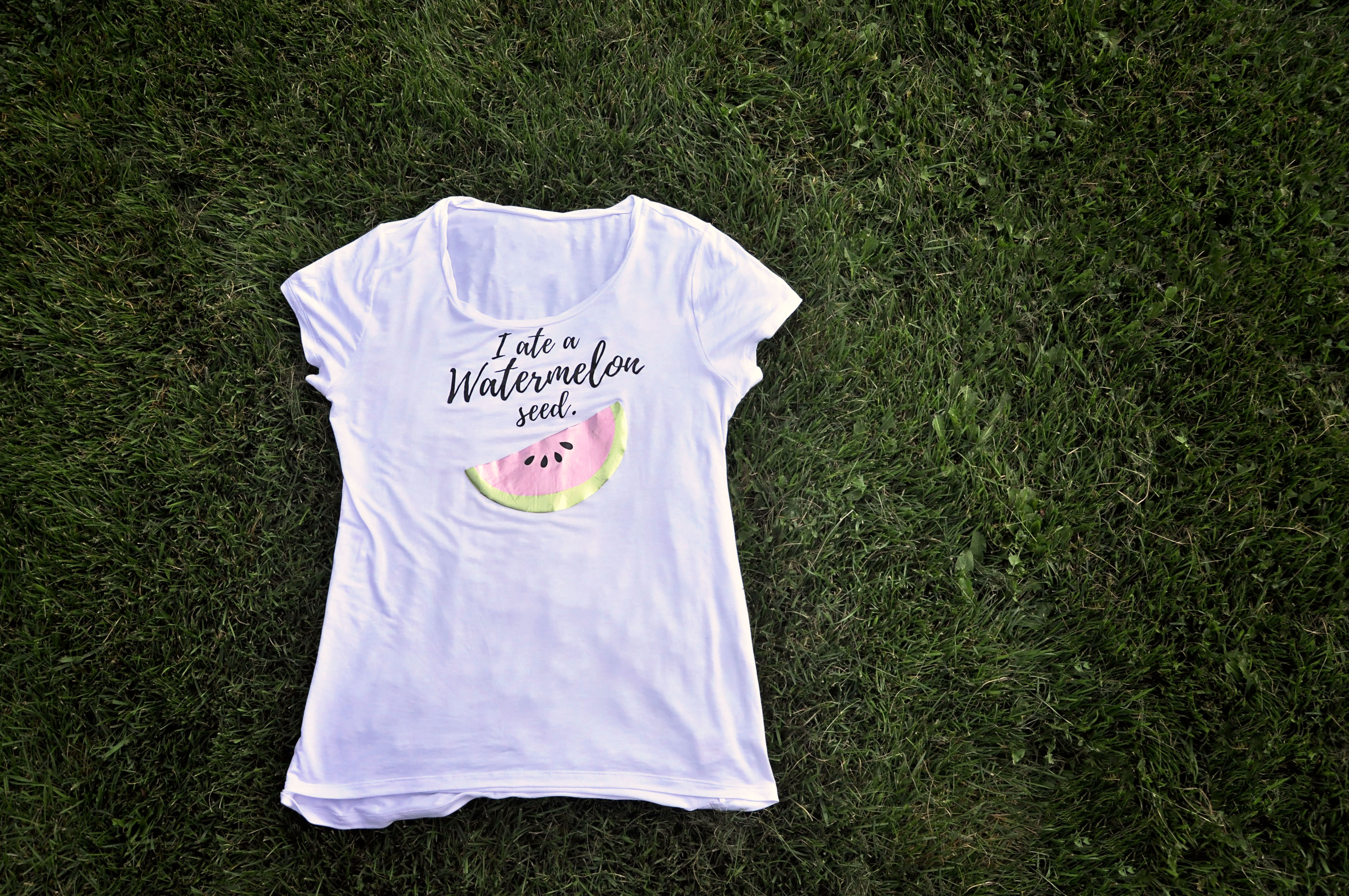 DIY Maternity T-shirt using your Cricut machine!