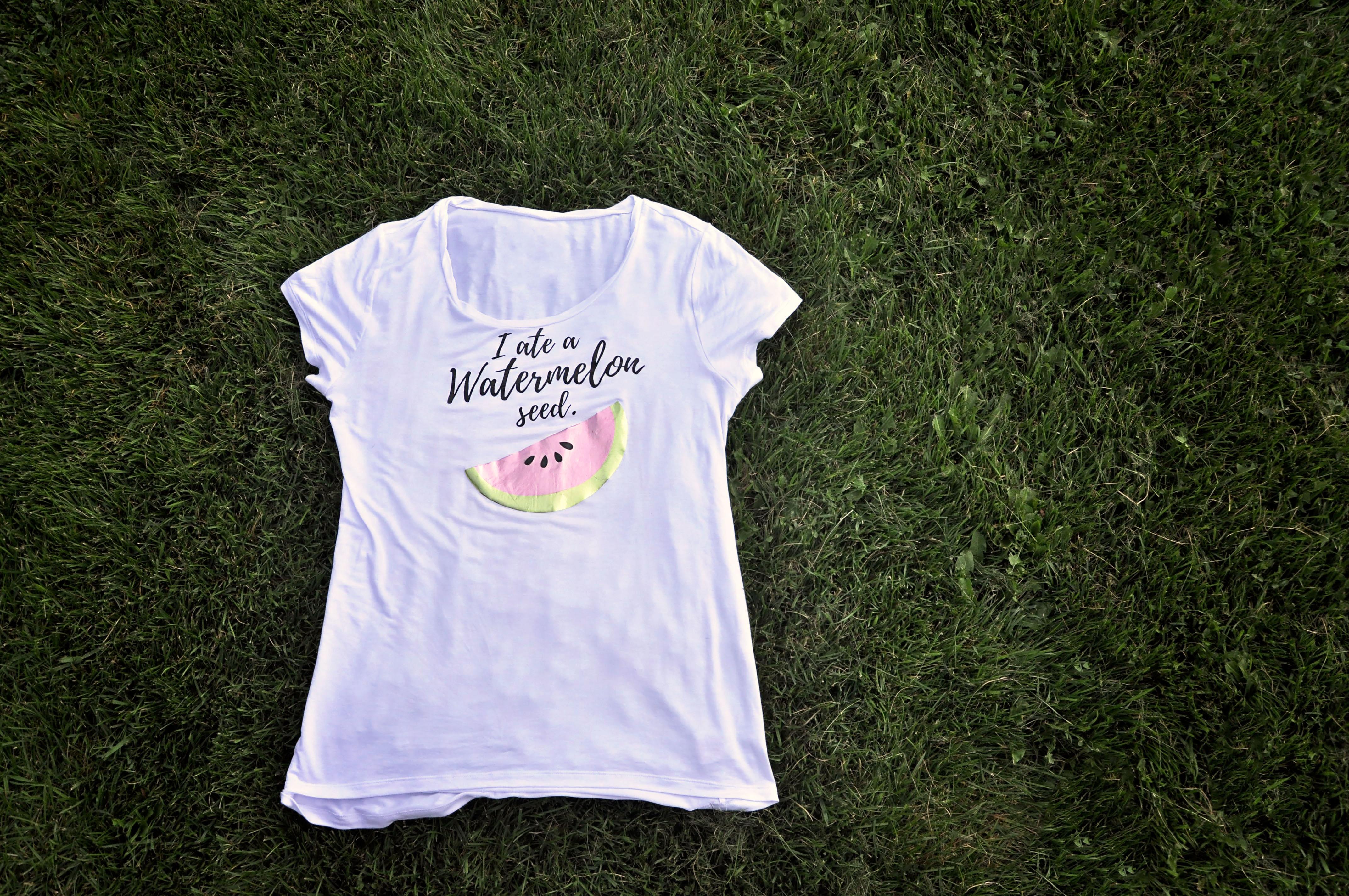 DIY Maternity T-shirt using your Cricut machine!