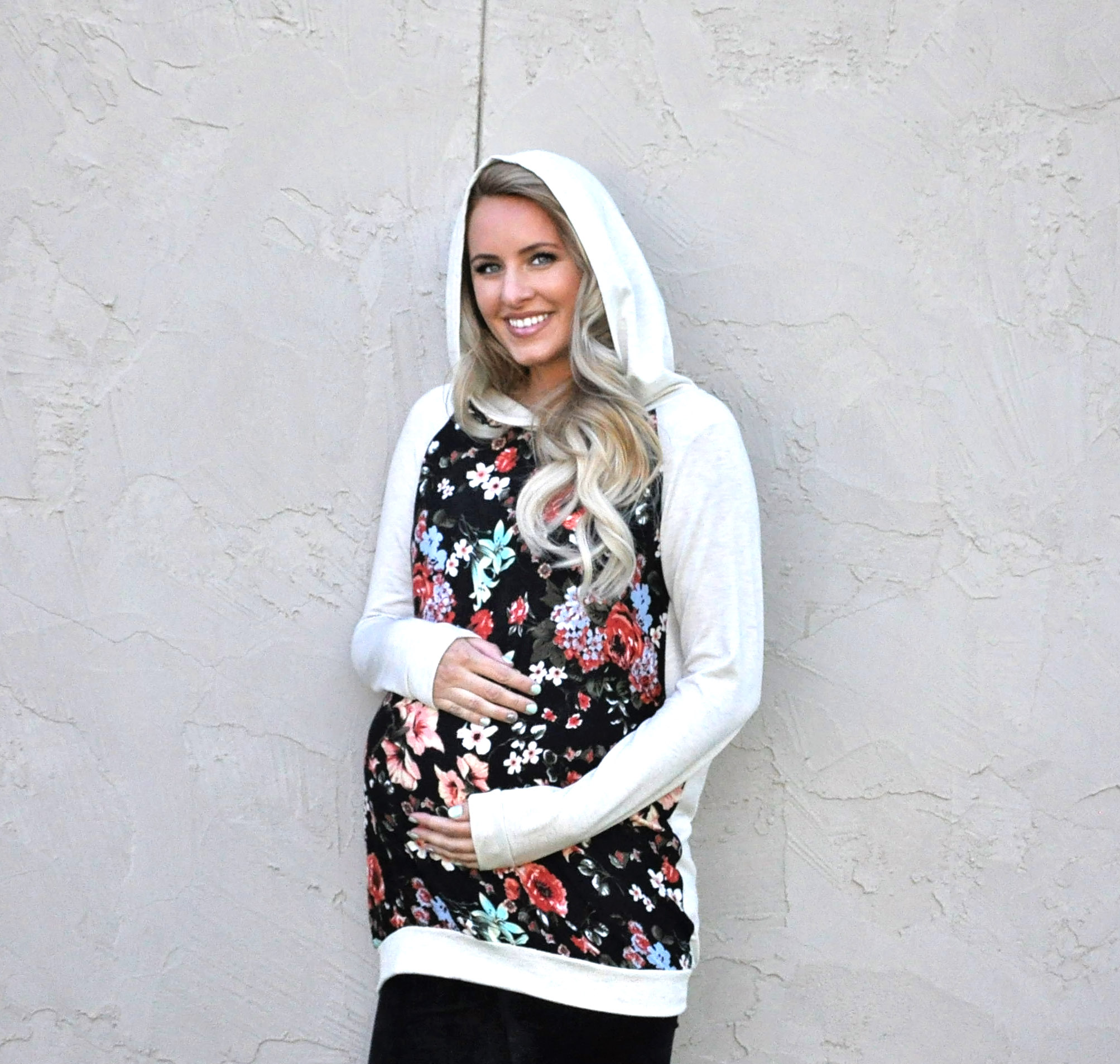 Cute maternity hoodie for fall from @shoppinkblush