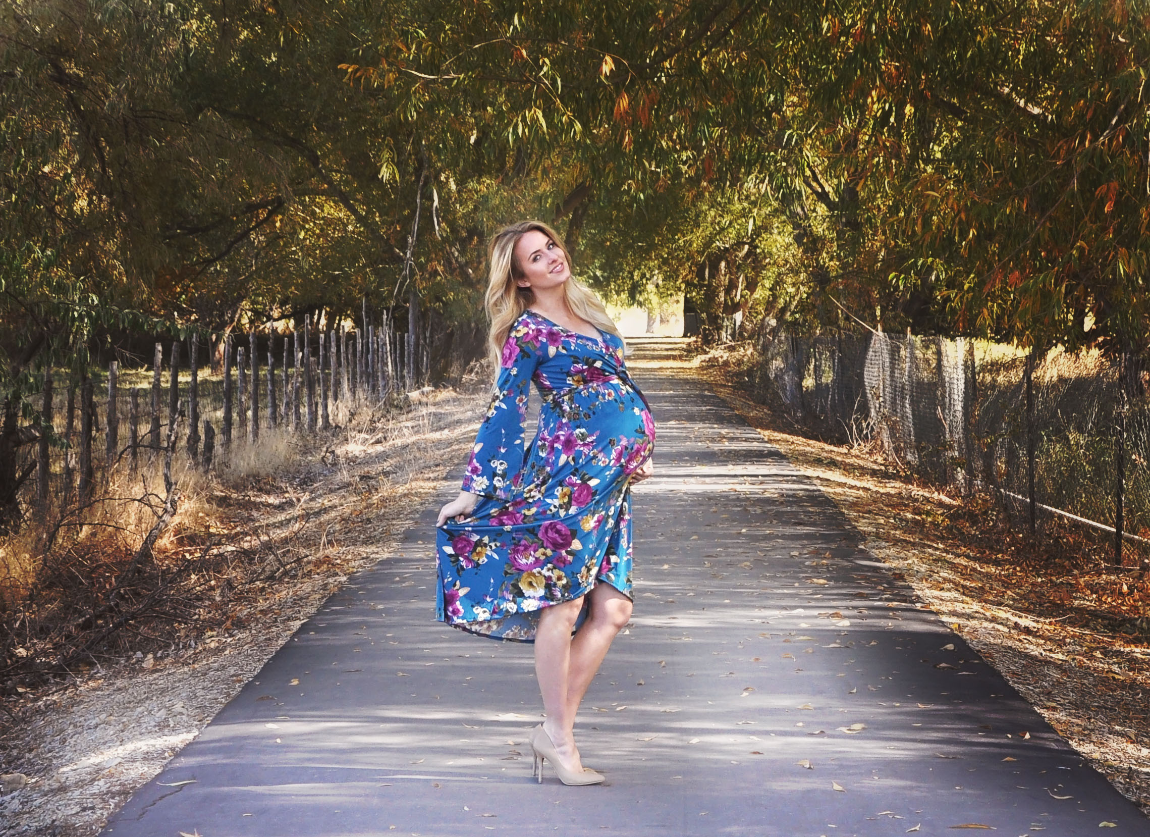 Fall floral maternity dress from @shoppinkblush