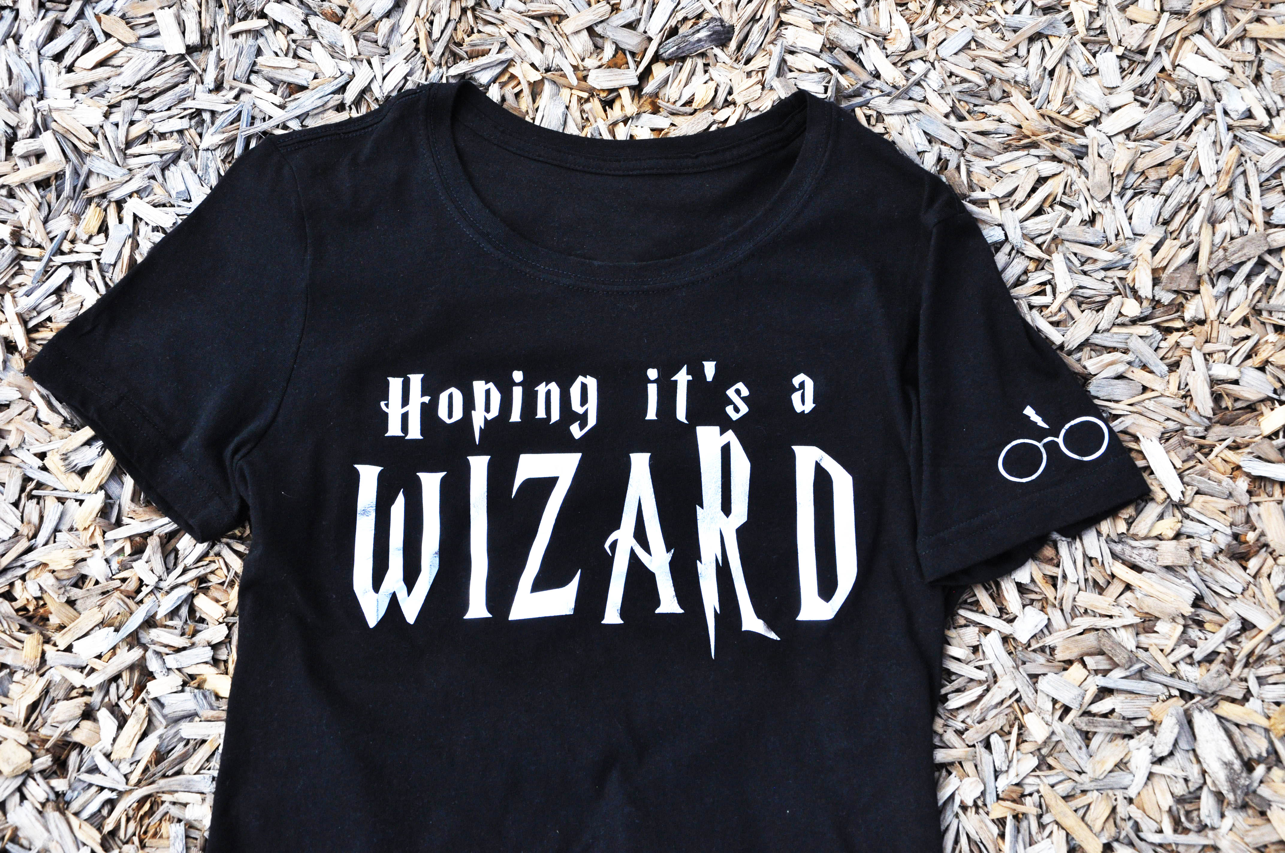 DIY Foil Cricut Shirt Tutorial : Hoping it's a wizard t-shirt