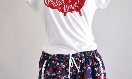 4th of July Pom Pom shorts with JOANN and Kwik Sew K4181