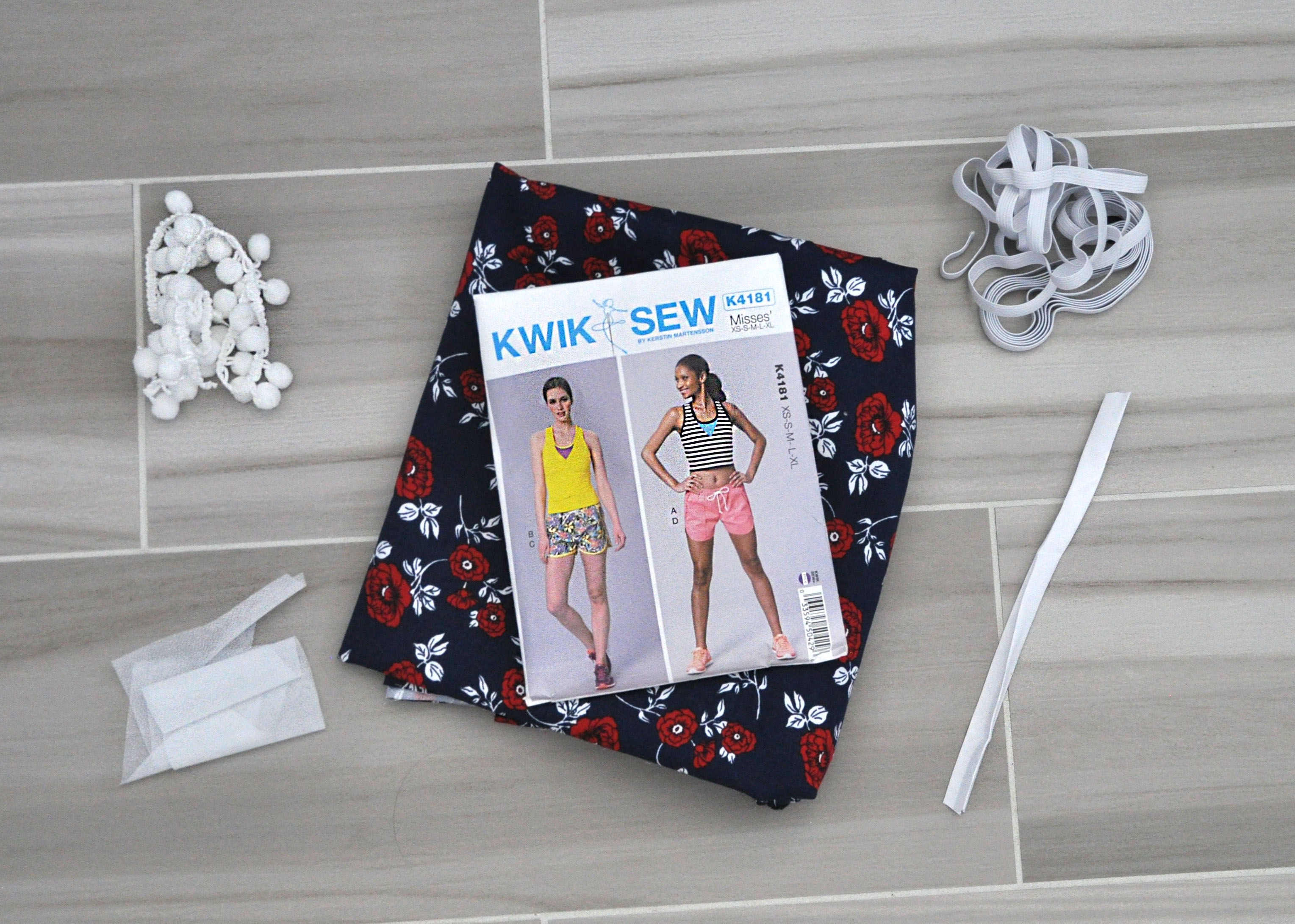 DIY pom pom shorts with @JOANN and kwiksew k4181. #handmadewithJOANN
