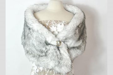 DIY faux fur wrap. Takes less than an hour and looks beautiful for winter weddings of vintage ensembles. #diyfashion