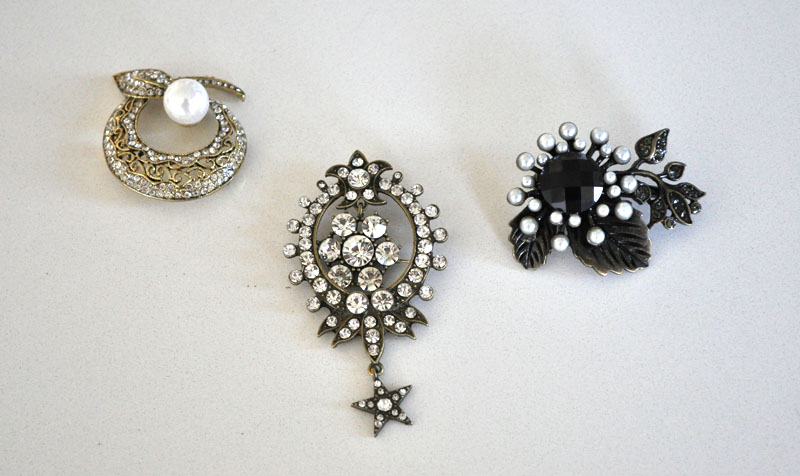 Pins from JOANN to use with a faux fur wrap or stole