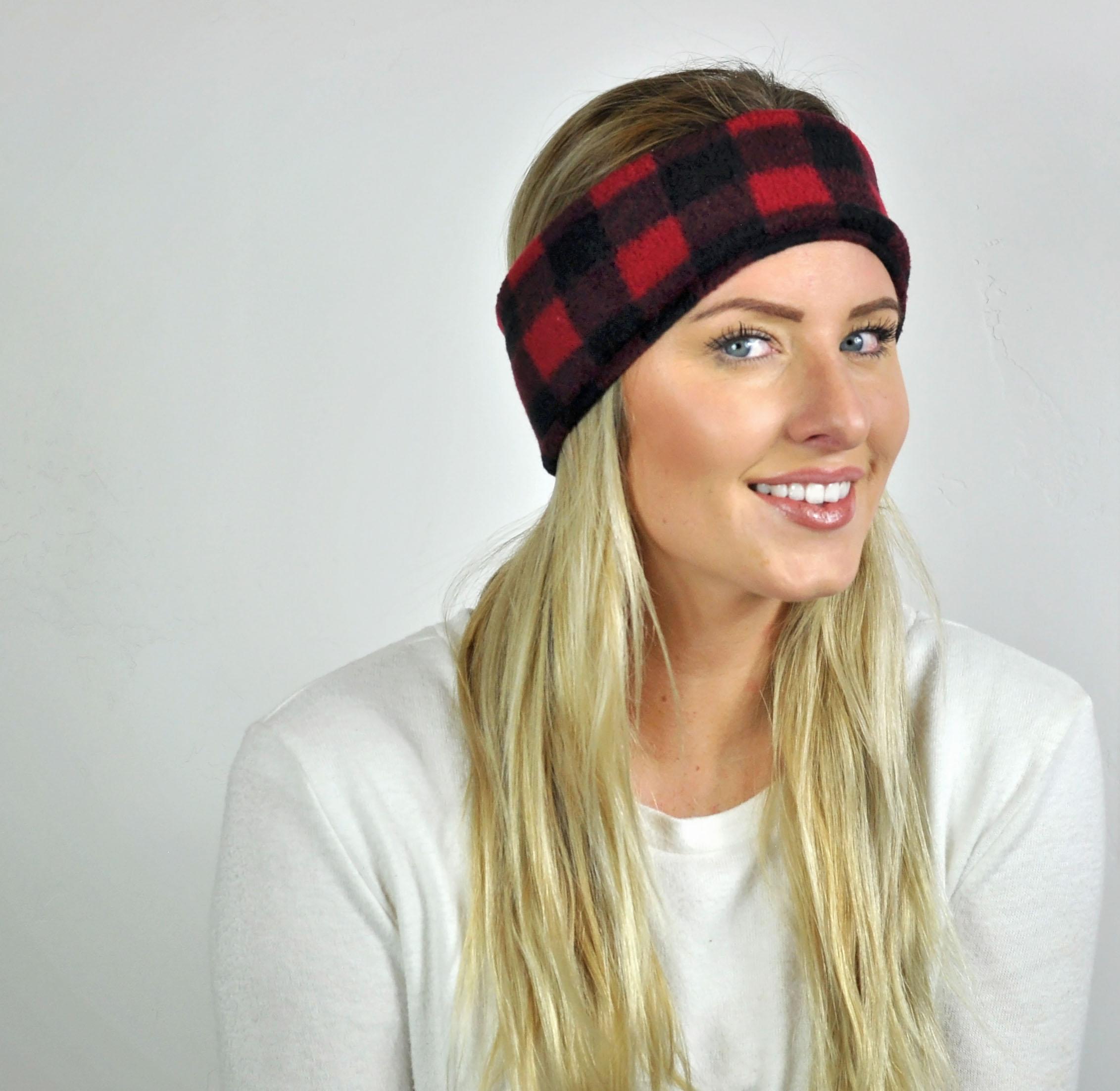 """DIY Fleece Handband--super easy homemade gift, love the """"fleece Navidad"""" pun!"""