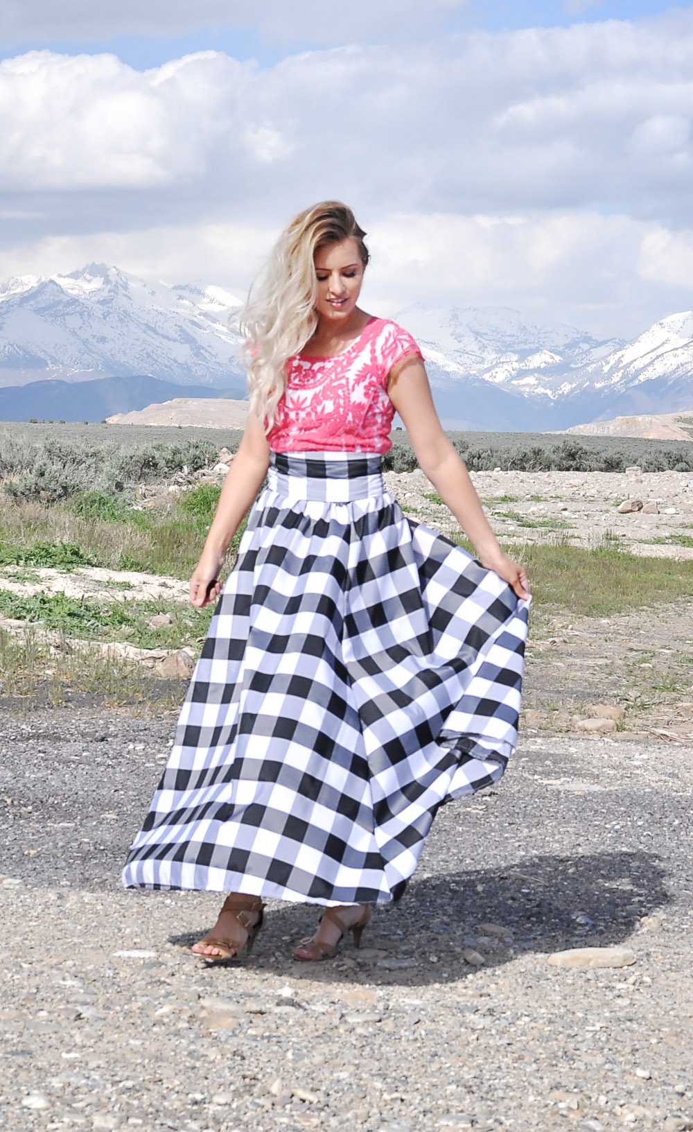 Simplicity 8328 maxi skirt pattern review with tips! That gingham print is amazing!