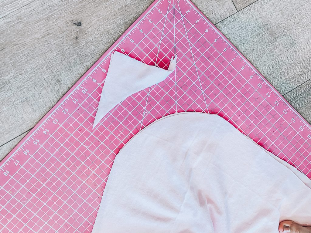 DIY Beach Coverup Tutorial // Using supplies from JOANN, you can whip up this super easy almost no-sew beach coverup in less than an hour